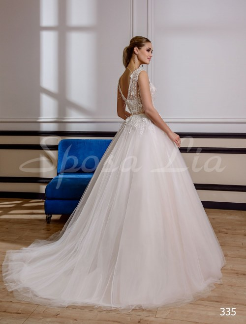 http://sposa-lia.com/images/stories/virtuemart/product/335       (3).jpg