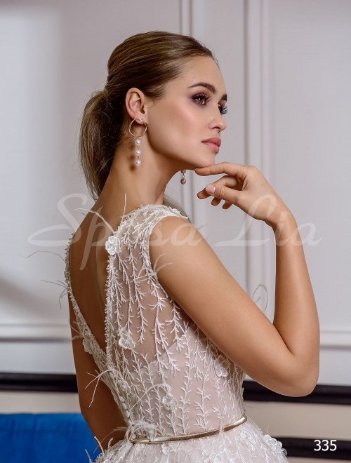 http://sposa-lia.com/images/stories/virtuemart/product/335       (4).jpg