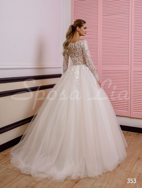 http://sposa-lia.com/images/stories/virtuemart/product/353       (3).jpg